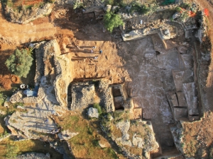 Grande cava risalente all'epoca del Secondo Tempio riportata alla luce nel quartiere di Ramat Shlomo a Gerusalemme (Maggio 2013)